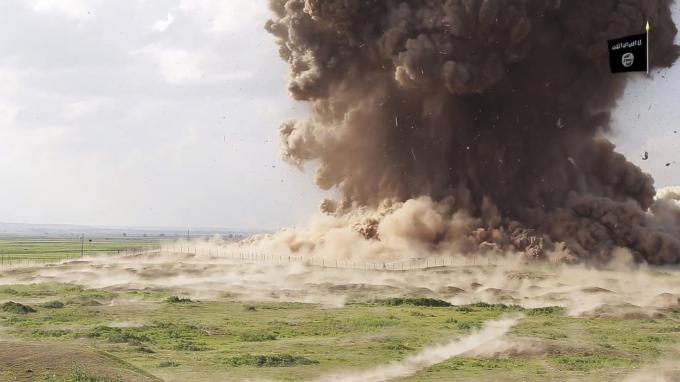 Screenshot eines IS-Propaganda-Videos, das die Zerstörung Nimruds zeigt - der IS betreibt illegalen Kunstgüterhandel im großen Stil