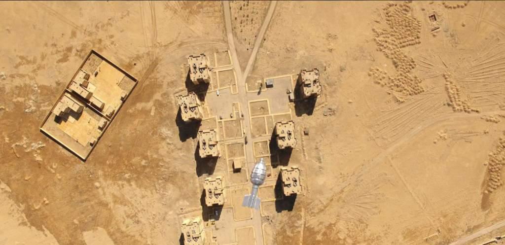 Eine Drohne im Irak wirft eine Granata ab
