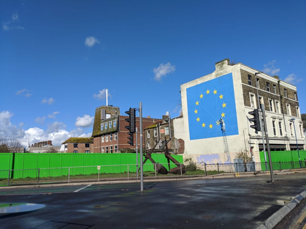 Banksy-Graffiti gegen Brexit in Dover
